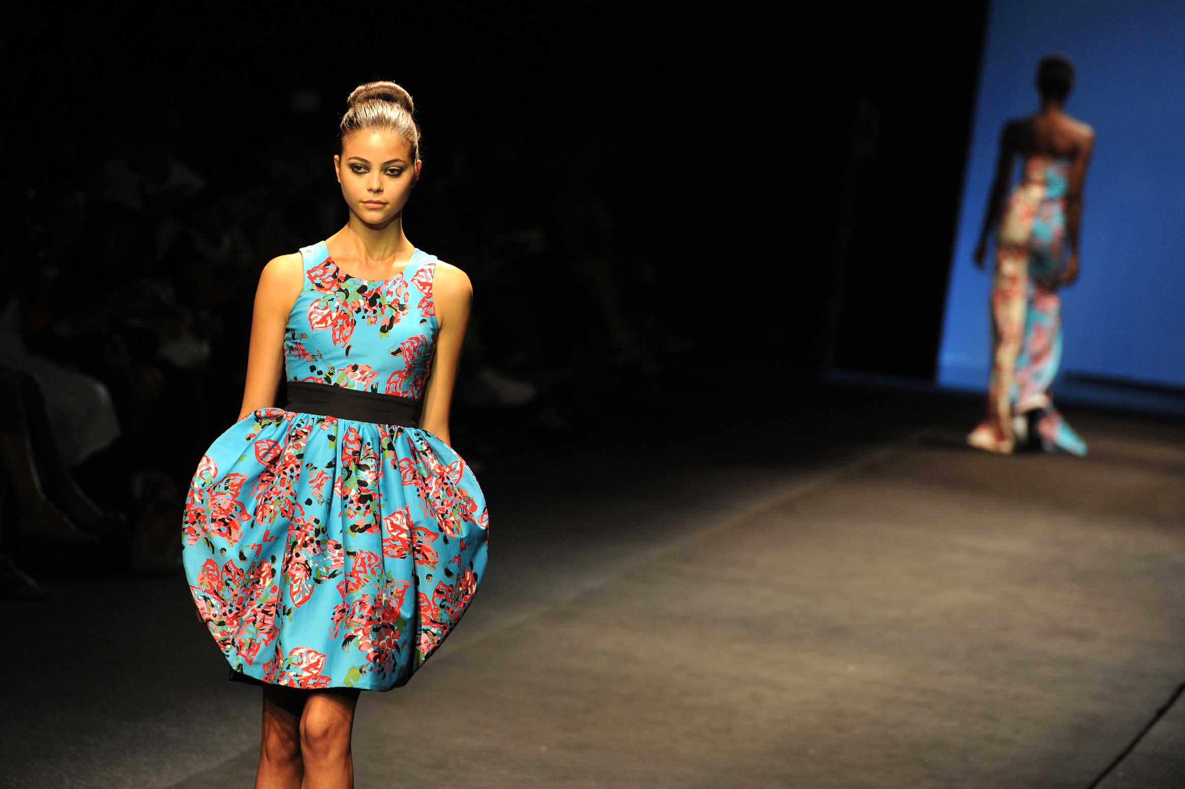 Pin African Fashion Designer In Germany Malaika Pagne